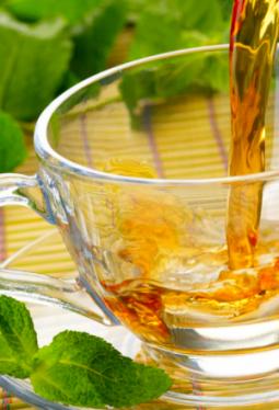 Tee-Zeit Moringablätter geschnitten